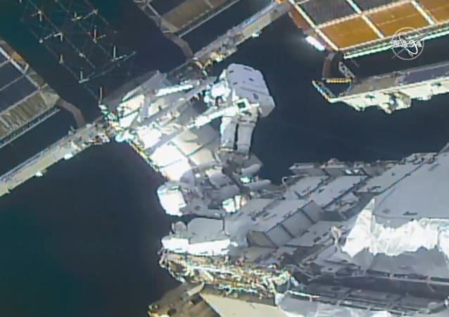俄国家航天集团应NASA请求推迟俄宇航员执行太空行走任务的时间