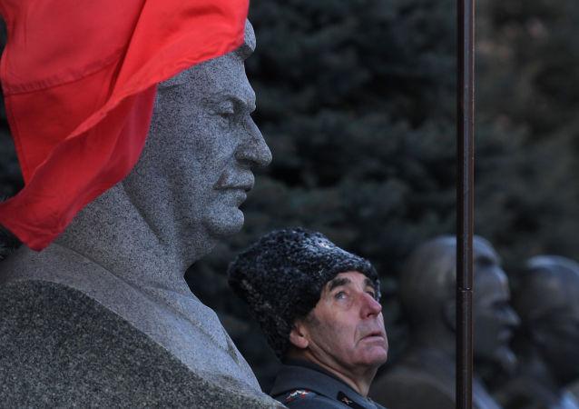 企图骗取斯大林亲戚数百万卢布的女骗子将在莫斯科受审