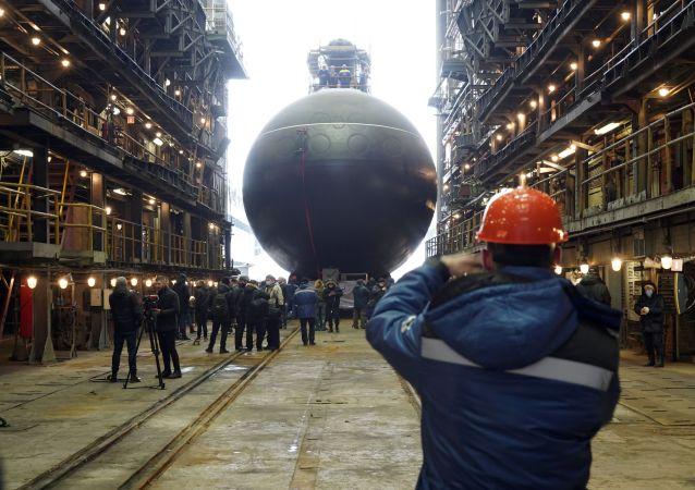 """俄""""马加丹""""号柴电潜艇将在圣彼得堡交付海军"""