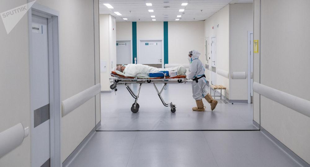 俄防疫指挥部:俄单日新增新冠病毒感染病例25769例 累计超758万例