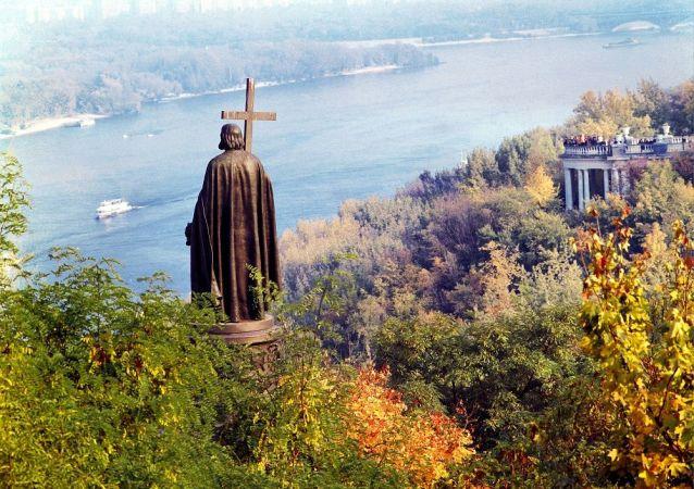 基輔,弗拉基米爾王子紀念碑