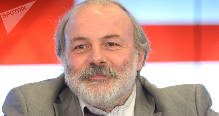 莫斯科連續數學教育中心主任伊萬·亞申克