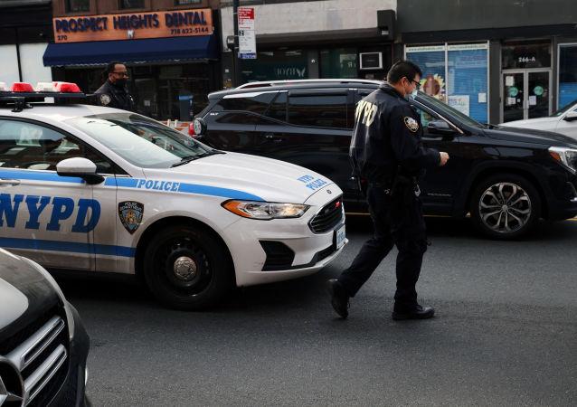 在美国明尼苏达一银行劫持人质的劫匪被拘