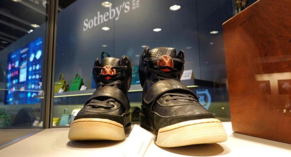 侃爷的Yeezy运动鞋在拍卖中以180万美元成交 创世界纪录