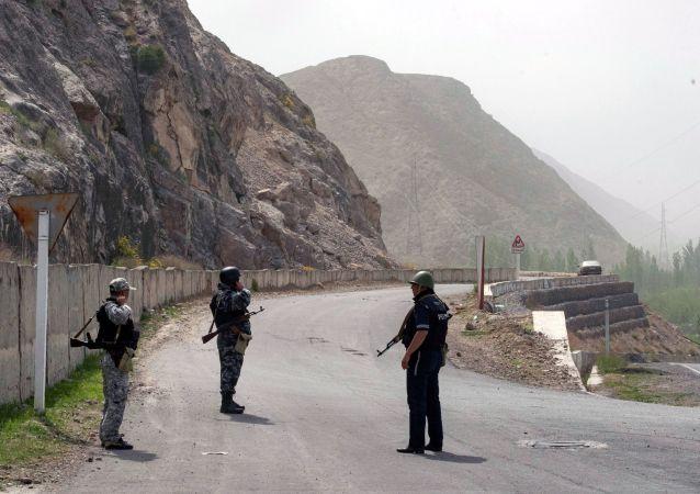 吉爾吉斯斯坦發佈消息稱該國邊防與塔吉克斯坦邊防相互開火