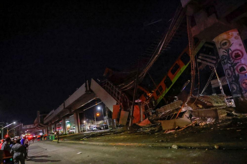 墨西哥的轨道交通桥梁坍塌,墨西哥城