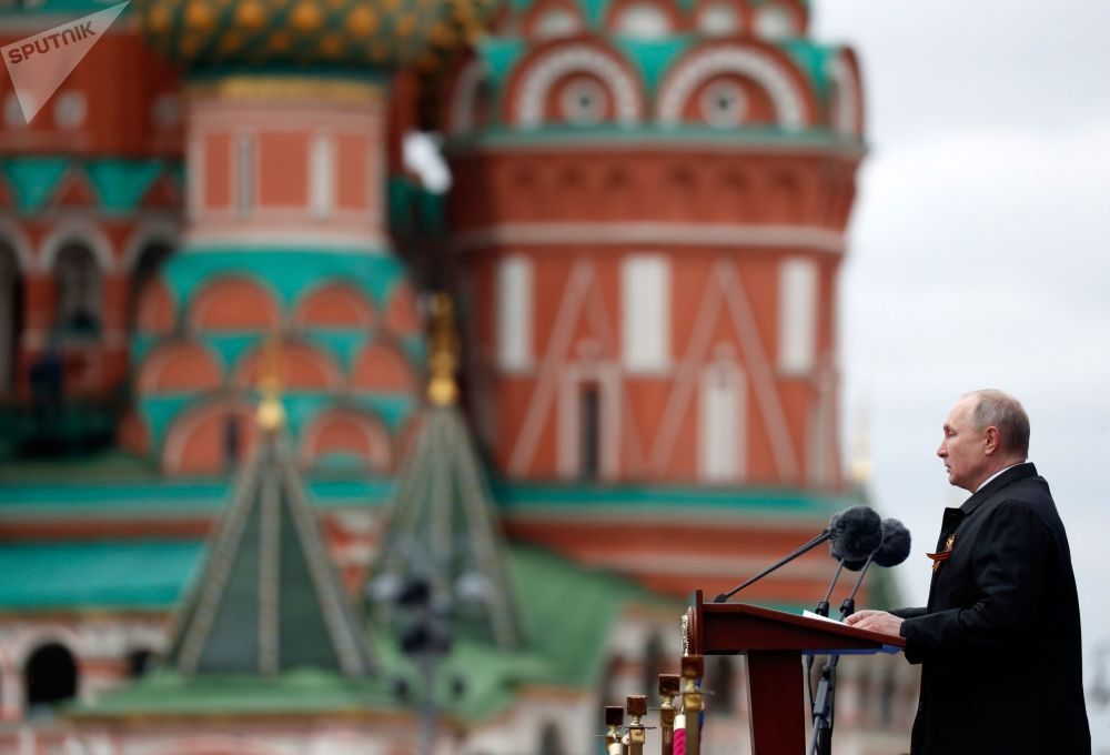 俄羅斯總統弗拉基米爾•普京在莫斯科紀念偉大衛國戰爭76週年軍事閱兵式上。