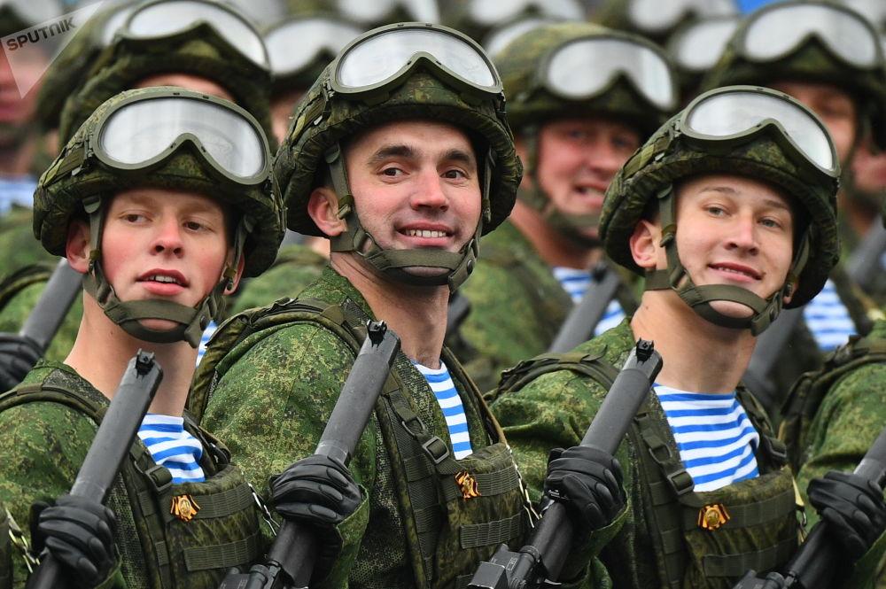 莫斯科軍事閱兵式上的空降兵方隊。