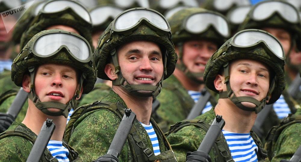 普京向空降部隊官兵和退伍軍人致以節日祝賀