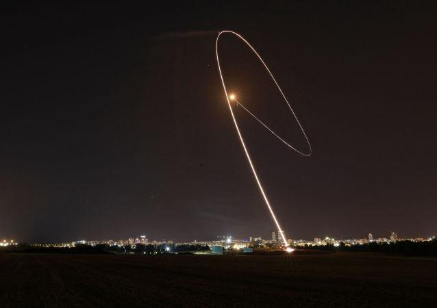 以色列军方:昨夜从加沙地带向以发射60枚火箭弹