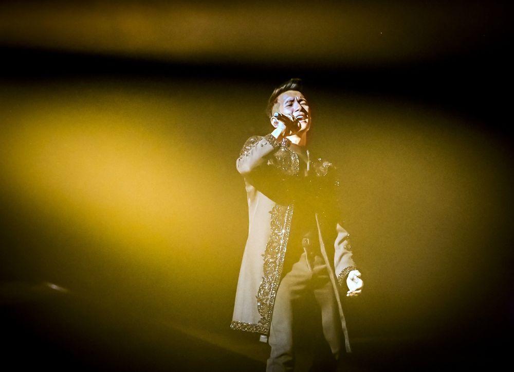 奥地利歌手文森特•布埃诺在第二场半决赛的彩排中演唱。