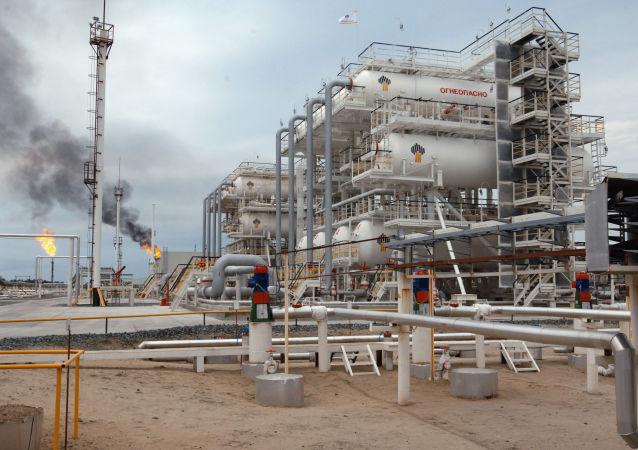 媒體:俄羅斯對華石油出口5月降至544萬噸 環比減少13.6%