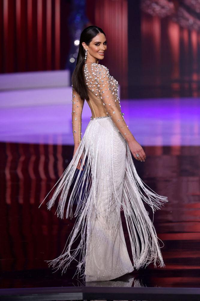 波多黎各小姐埃斯特法娜•索托在決賽中。