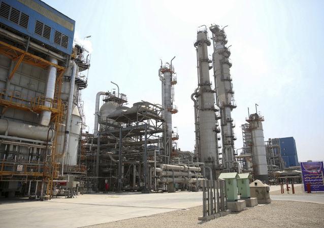 俄外交部:伊朗石油重返市场的条件是维也纳伊核协议谈判的一个组成部分
