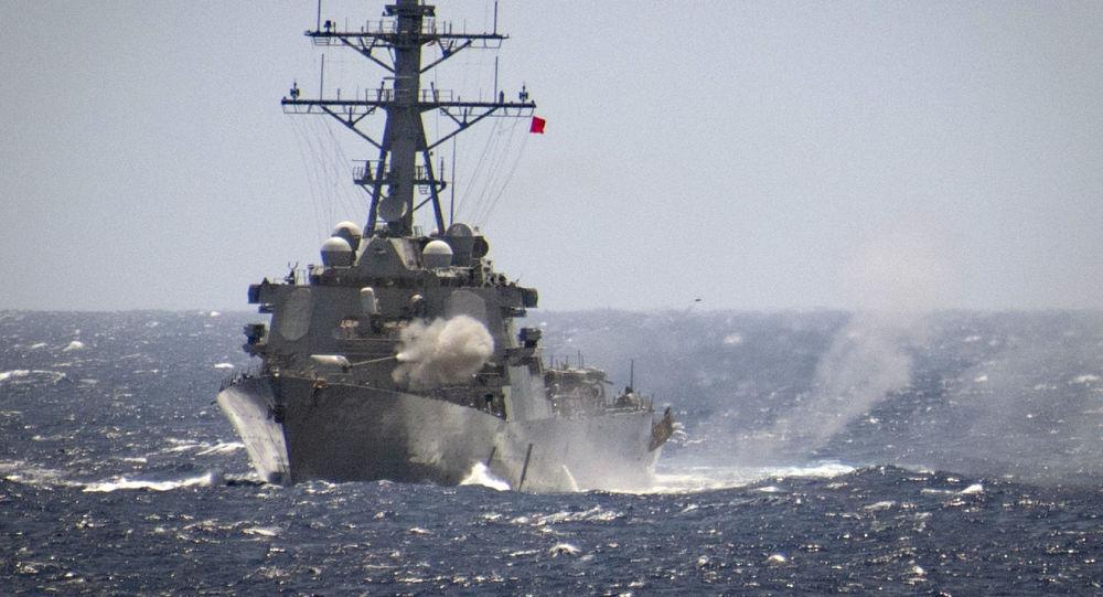 """美""""威尔伯""""号导弹驱逐舰"""