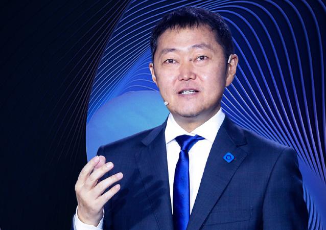 貝克控股的創始人兼董事長、中國億萬富翁左暉