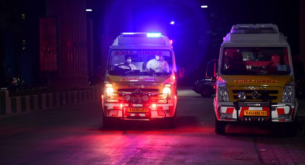 印度 救护车