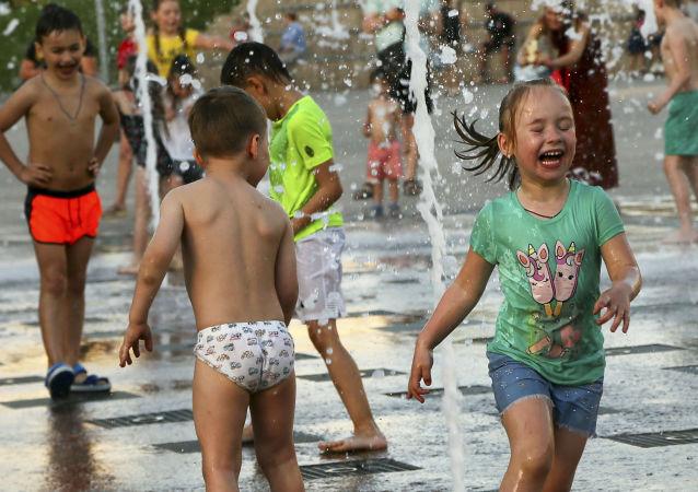 俄传染病专家称当前儿童新冠发病率明显高于冬季