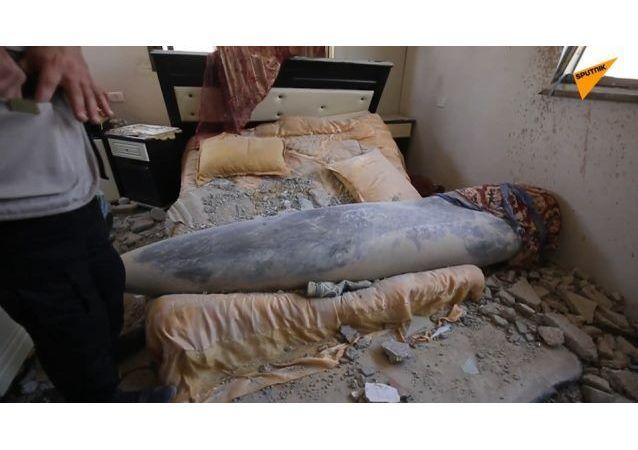 一枚未引爆导弹落入居民屋中