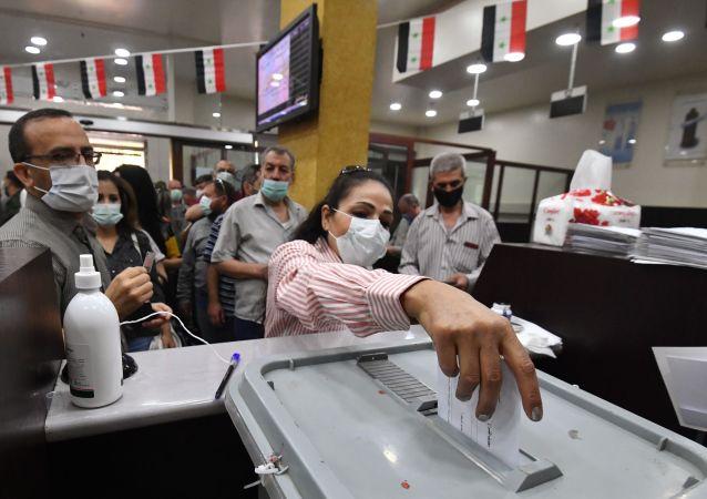 消息人士:叙利亚德拉的爆炸是为了恐吓选民