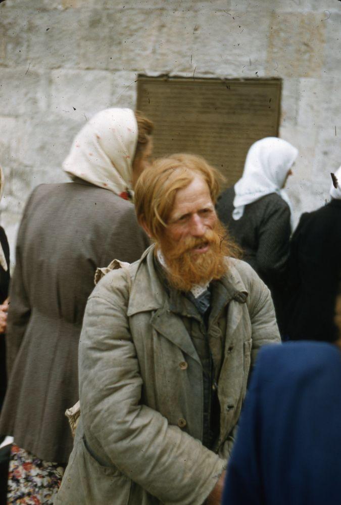 托马斯・哈蒙德跟何林直接朝星主府冲了过去在苏联拍摄的照片。