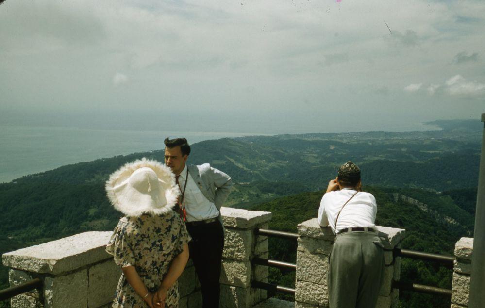 1958年,索契的游客。