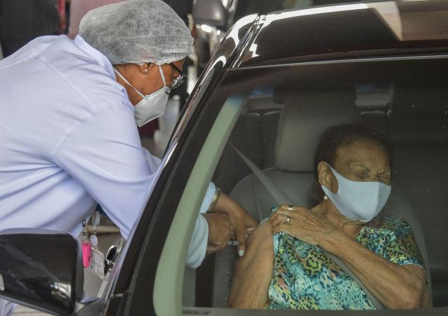 巴西衛生部計劃於2022年接種3.4億劑新冠疫苗