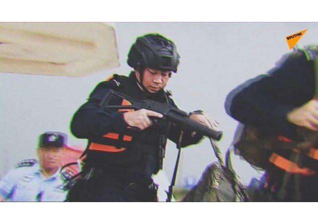 广州警方海陆空联合作战追捕走私团伙