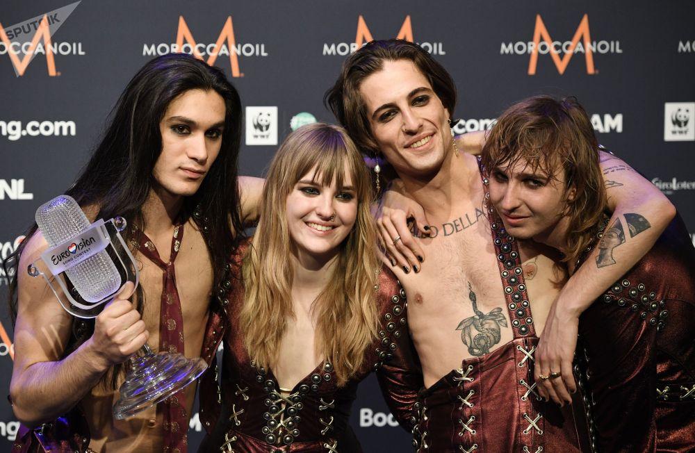 意大利摇滚乐队Maneskin 夺得2021年欧洲电视歌唱大赛冠军。