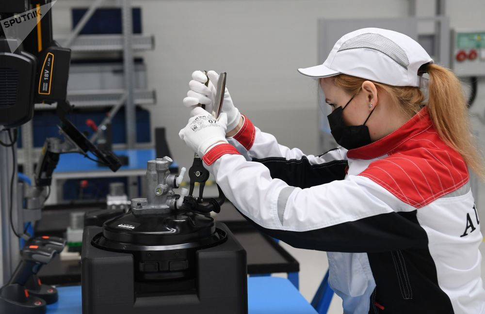 Aurus 总经理阿季利·希里诺夫表示,俄罗斯豪华汽车项目将在六年内收回成本。