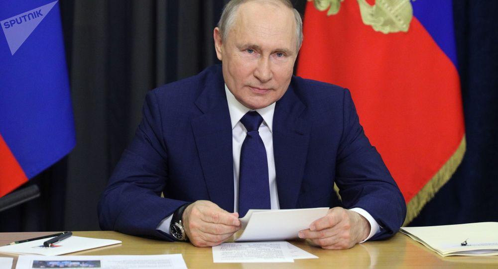 """普京祝贺俄罗斯人""""俄罗斯日""""快乐"""