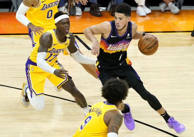 湖人队在NBA季后赛中惨败太阳队