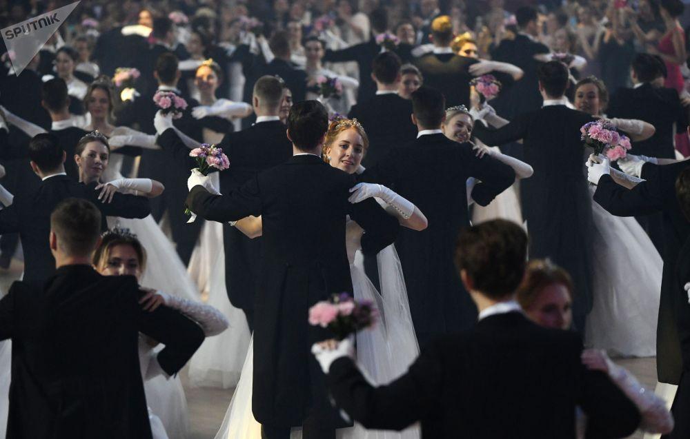 莫斯科市第18届维也纳舞会。