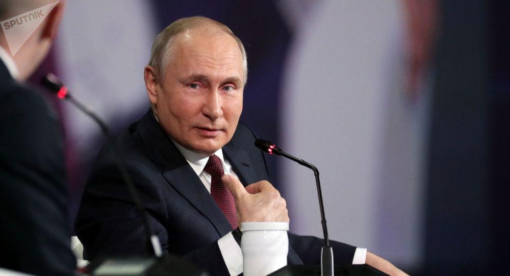 民调:超过60%的俄罗斯人认为普京履职表现良好