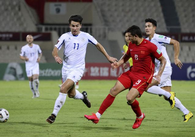 中国队在世界杯预选赛2:0战胜菲律宾 锁定小组第二名