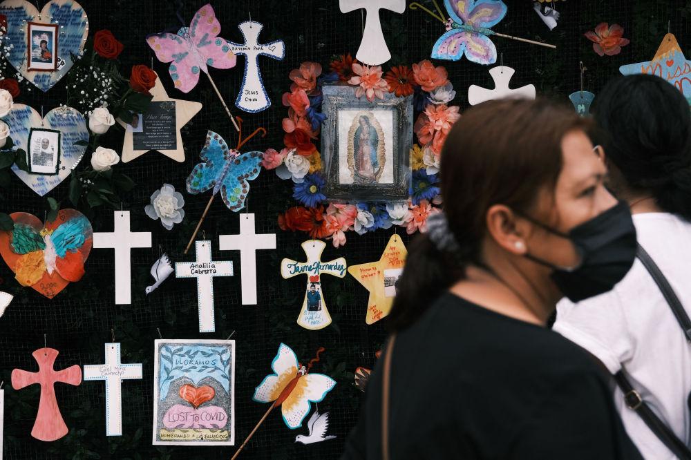 布魯克林墓地舉行新冠紀念活動