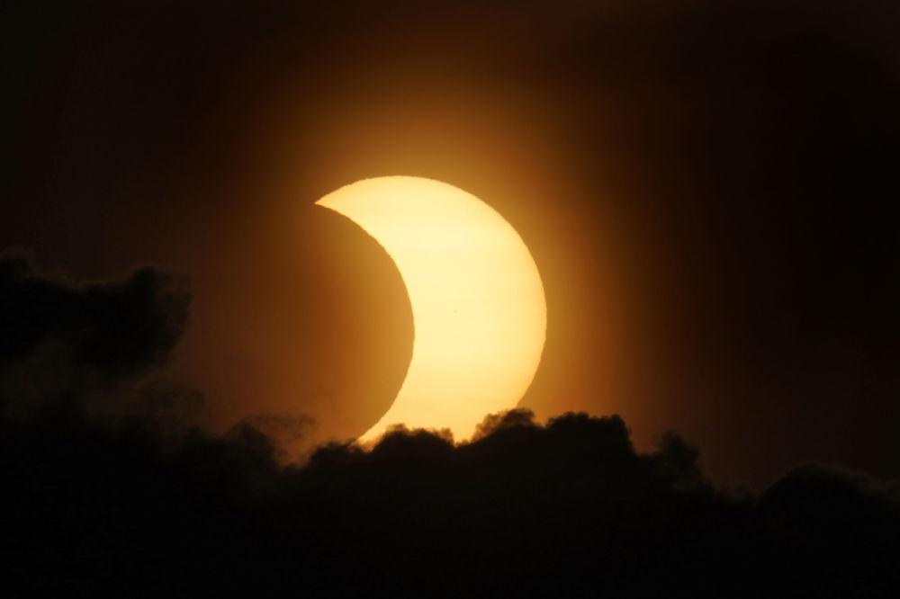 2021年的首次日食景象