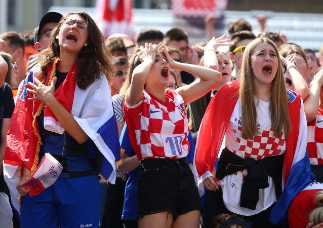 2020年欧洲杯上的各国球迷面面观