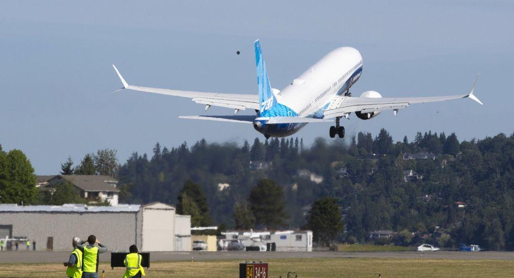 波音公司首飞737 Max 10机型