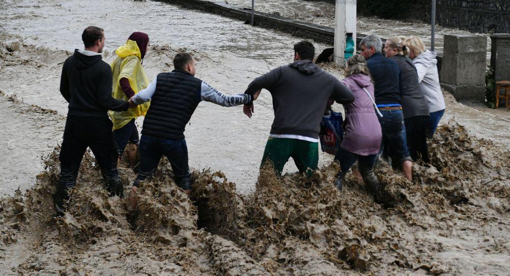 俄克里米亞約1800人因暴雨疏散