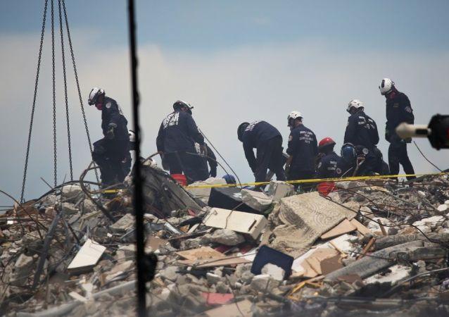 美国迈阿密高楼部分坍塌事件死亡人数达五人