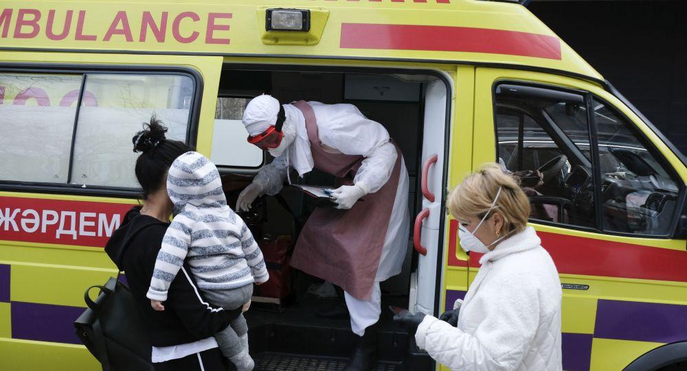 哈萨克斯坦首都疫情达高峰  医院床位占用超70%