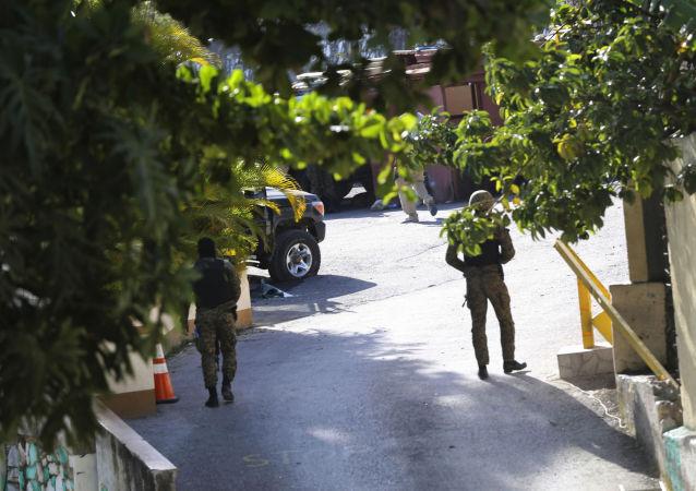 """11名涉嫌参与杀害海地总统莫伊兹的嫌疑人在""""台湾驻海地大使馆""""被捕"""