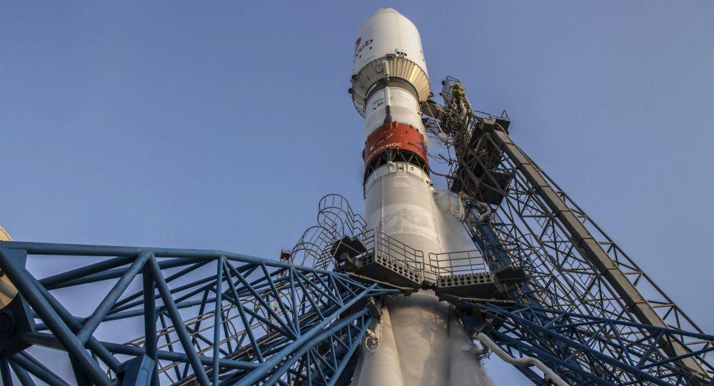 """俄罗斯""""联盟""""火箭将英国OneWeb卫星送入太空"""