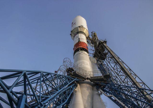 """消息人士:从拜科努尔的""""联盟""""火箭发射因""""一网""""卫星未准备就绪而推迟"""