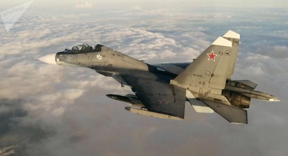 俄罗斯新式歼击机设有一个机腹进气道