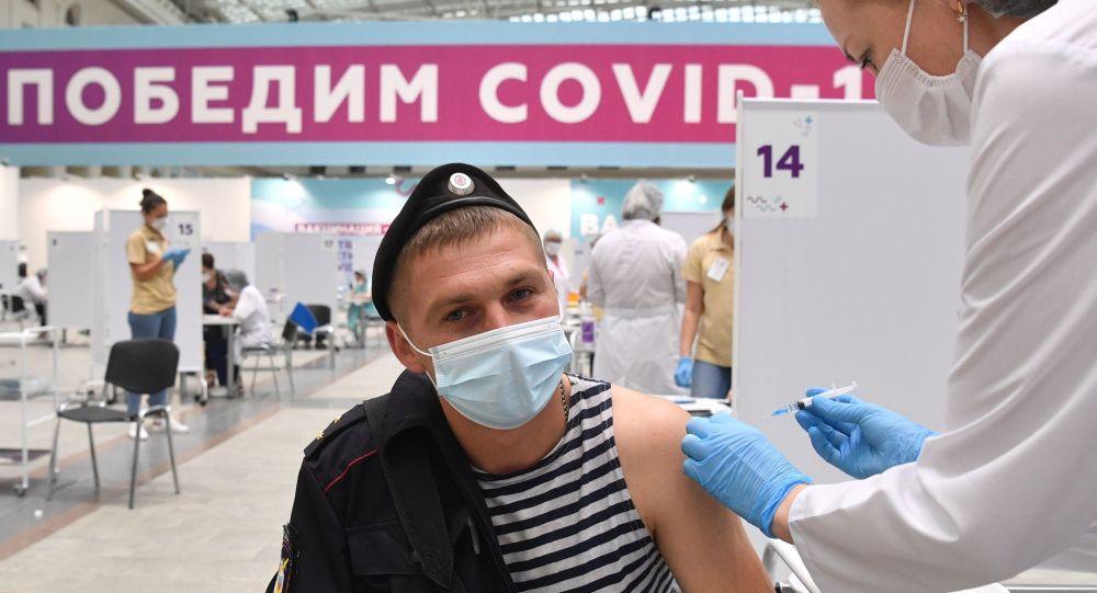 索比亚宁:莫斯科接种新冠疫苗的退休人员达百万