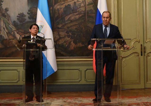 """尼加拉瓜外长向普京和拉夫罗夫转达总统奥尔特加""""兄弟般的问候"""""""