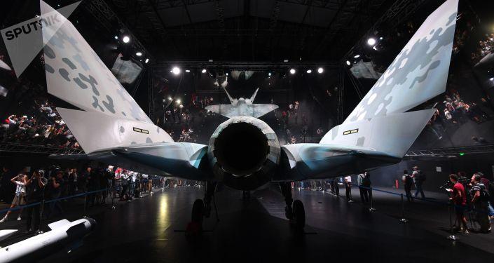 莫斯科航展上的俄第五代新型輕型戰術單引擎戰機Checkmate樣機