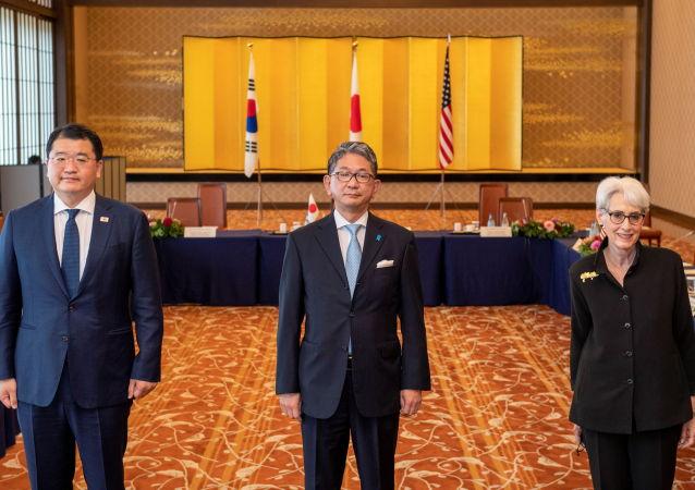 美日韩讨论了三方合作
